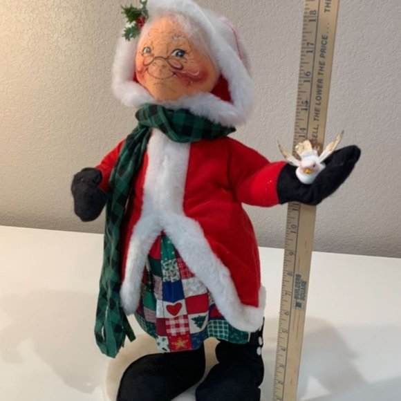 """Vintage Annalee 18"""" Mrs. Claus with Dove - 1997"""
